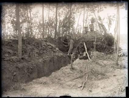 ARH NL Kageler 214, 1. Weltkrieg, Soldat auf Wachposten, Mailly-sur-Seille, Frankreich, zwischen 1914/1918