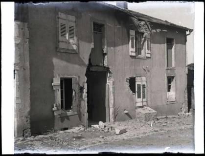 ARH NL Kageler 215, 1. Weltkrieg, zerstörtes Haus, Mailly-sur-Seille, Frankreich, zwischen 1914/1918