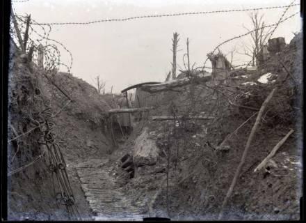 ARH NL Kageler 222, 1. Weltkrieg, Schützengraben mit Posten, Priesterwald (Bois-le-Prêtre), Frankreich, zwischen 1914/1918