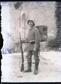 ARH NL Kageler 223, 1. Weltkrieg, Brieftaubenwärter in Mailly, Frankreich, zwischen 1914/1918