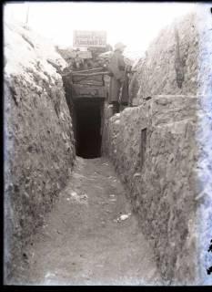 ARH NL Kageler 260, 1. Weltkrieg, Graben mit Posten, Maashöhen, Frankreich, zwischen 1914/1918