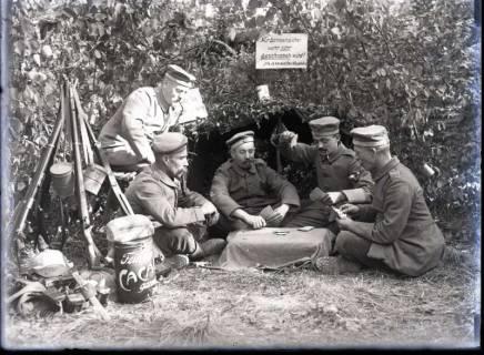 ARH NL Kageler 265, 1. Weltkrieg, Skat im Wald bei Unterhofen (Secourt), Frankreich, zwischen 1914/1918