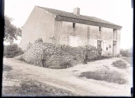 ARH NL Kageler 287, 1. Weltkrieg, Soldaten vor der Schreibstube, Frankreich, ohne Datum