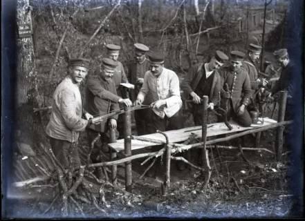 ARH NL Kageler 298, 1. Weltkrieg, Bau eines Stegs?, Frankreich, zwischen 1914/1918