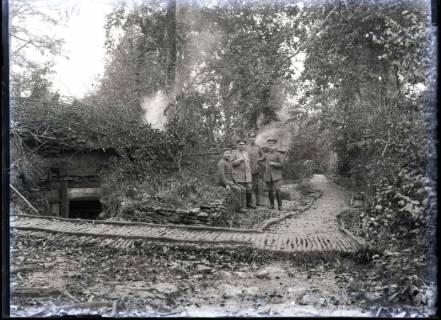ARH NL Kageler 299, 1. Weltkrieg, Soldaten vor Stellung, Frankreich, zwischen 1914/1918