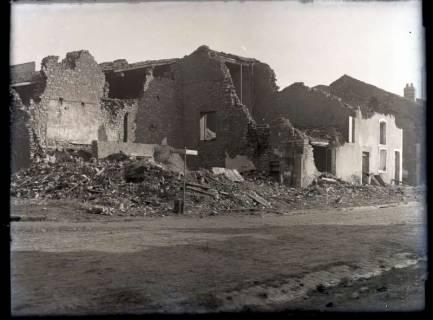 ARH NL Kageler 323, 1. Weltkrieg, zerstörtes Haus in Abaucourt, Frankreich, ohne Datum