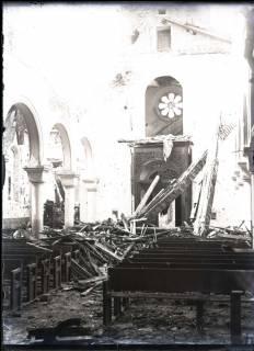 ARH NL Kageler 332, 1. Weltkrieg, Zerstörung in der Kirche von Abaucourt, Frankreich, zwischen 1914/1918