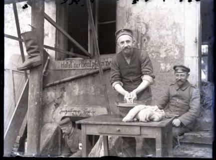 ARH NL Kageler 334,  1. Weltkrieg, Kageler bei der Wäsche, Abaucourt, Frankreich, zwischen 1914/1918