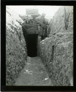 ARH NL Kageler 422, 1. Weltkrieg, Graben mit Posten, Maashöhen, Frankreich, zwischen 1914/1918
