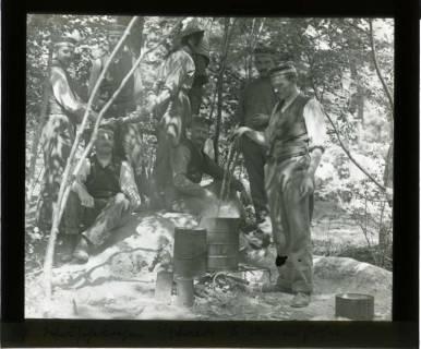 ARH NL Kageler 429, 1. Weltkrieg, Wäschekochen im Wald bei Unterhofen (Secourt), Frankreich, zwischen 1914/1918