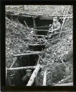 ARH NL Kageler 434, 1. Weltkrieg, Zugang zum Unterstand, Priesterwald (Bois-le-Prêtre), Frankreich, zwischen 1914/1918