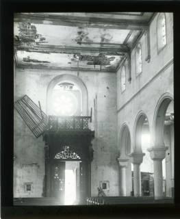 ARH NL Kageler 441, 1. Weltkrieg, Zerstörung in der Kirche von Abaucourt, Frankreich, zwischen 1914/1918