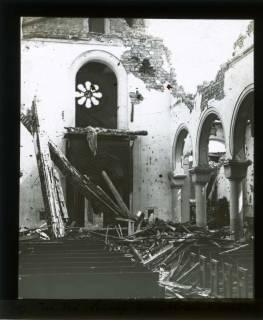 ARH NL Kageler 442, 1. Weltkrieg, Zerstörung in der Kirche von Abaucourt, Frankreich, zwischen 1914/1918