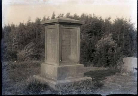 ARH NL Kageler 767, Holledenkmal auf dem Suerser Berg, Gehrden, 1940