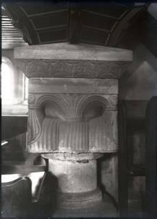 ARH NL Kageler 800, Säulenkapitell in der Kirche, Ronnenberg, 1940