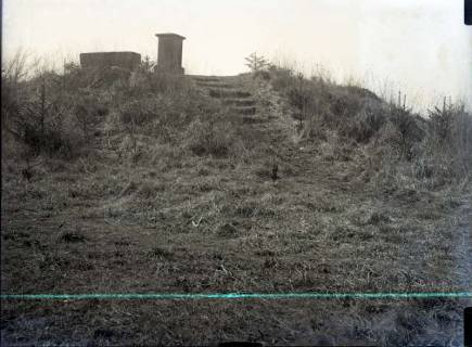 ARH NL Kageler 925, Holle-Denkmal auf dem Suerser Berg, Gehrden, ohne Datum