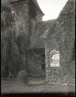ARH NL Kageler 1065, Kirche mit Grabplatte, Eimbeckhausen, 1913