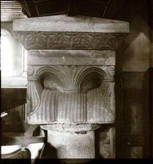 ARH NL Kageler 1300, Säulenkapitell in der Kirche, Ronnenberg, 1940