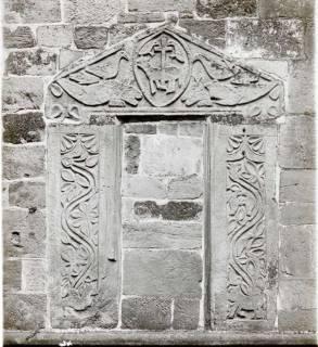 ARH NL Kageler 1412, Altes Portal, Ronnenberg und Grabplatte?, ohne Datum