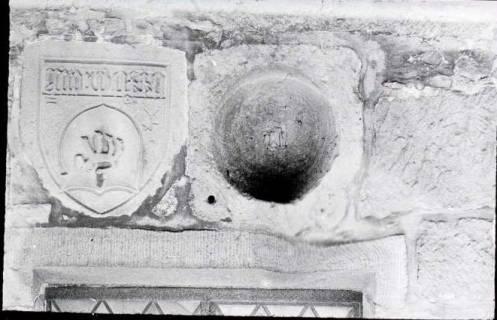ARH NL Kageler 1415, Gotisches Wappen + Romanische Tür, Hohenbostel, ohne Datum