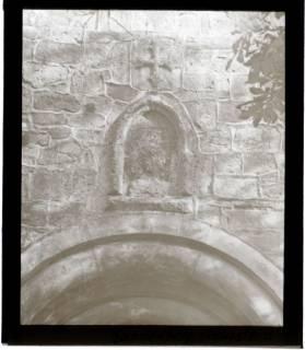 ARH NL Kageler 1461, Kreuzstein über Kirchenportal, Ronnenberg, ohne Datum