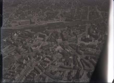 ARH NL Koberg 49, Luftbild von Hannover mit Hauptbahnhof, Kröpcke, Oper, Karmaschstrasse, Steintor und Marktkirche, 1963