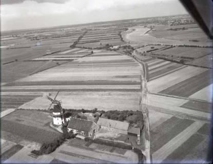 ARH NL Koberg 92, Wesermarsch mit Windmühle, 1957