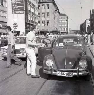 "ARH NL Koberg 1000, ""Rote-Punkt-Aktion"" am Steintor, Hannover , 1969"