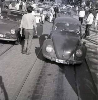 "ARH NL Koberg 1001, ""Rote-Punkt-Aktion"" am Steintor, Hannover , 1969"
