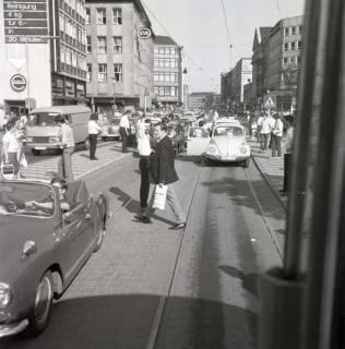 "ARH NL Koberg 1003, ""Rote-Punkt-Aktion"" am Steintor, Hannover , 1969"