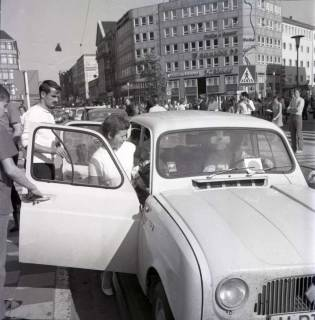 "ARH NL Koberg 1006, ""Rote-Punkt-Aktion"" am Steintor, Hannover , 1969"