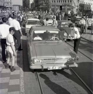 "ARH NL Koberg 1009, ""Rote-Punkt-Aktion"" am Steintor, Hannover , 1969"