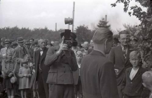 ARH NL Koberg 1014, Kundgebung der SPD, anlässlich des Bezirksparteitages am 17./18. August, auf dem Gelände des heutigen Waldstadions, Barsinghausen, 1946