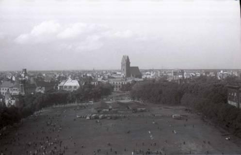 ARH NL Koberg 1050, Blick von der Waterloosäule in Richtung Marktkirche, Hannover, 1946