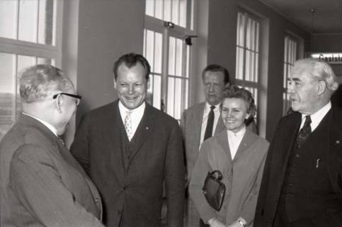 ARH NL Koberg 1069, Erich Ollenhauer, Willy Brandt, ?, ? und Hinrich Wilhelm Kopf beim SPD Parteitag in der Stadthalle, Hannover, 1960