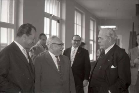 ARH NL Koberg 1070, Willy Brandt, ?, Erich Ollenhauer, ? und Hinrich Wilhelm Kopf beim SPD Parteitag in der Stadthalle, Hannover, 1960