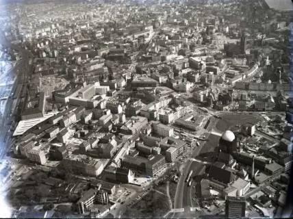 ARH NL Koberg 121, Hannover, u. a. Anzeiger-Hochhaus, Hauptbahnhof und Marktkirche, 1957