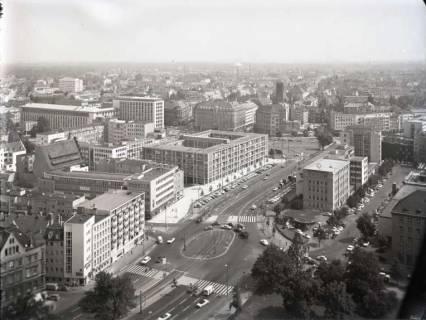 ARH NL Koberg 168, Blick vom Rathaus in Richtung Aegidientorplatz, Hannover, 1965