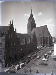 ARH NL Koberg 171, Blick in die Schmiedestraße mit Rathaus und Marktkirche, Hannover, wohl 1963