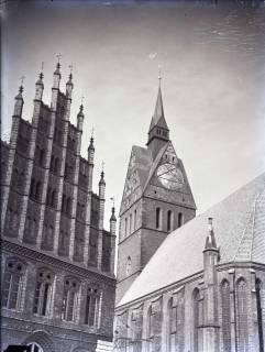 ARH NL Koberg 199, Marktkirche und altes Rathaus, Hannover, wohl 1955