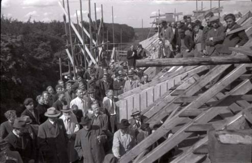 """ARH NL Koberg 207, Richtfest der """"Allianz-Häuser"""" in der Kleestraße, Hannover, 1947"""