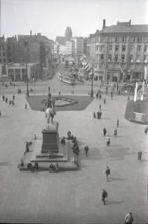 ARH NL Koberg 212, Ernst-August-Platz mit Ernst-August-Denkmal, Hannover, 1949