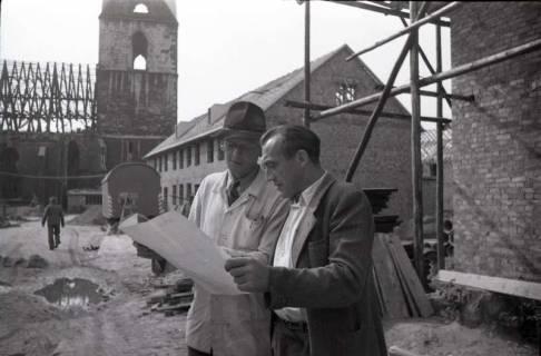 ARH NL Koberg 213, Bauarbeiten rund um die Kreuzkirche, Hannover, 1949