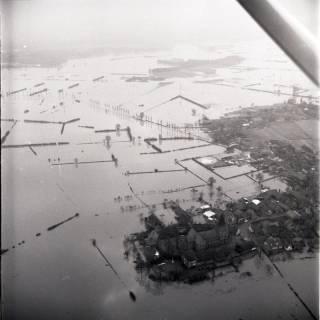 ARH NL Koberg 2216, Leinehochwasser, Mandelsloh, 1970
