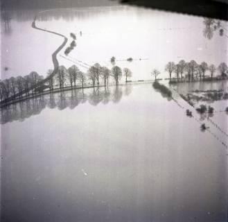 ARH NL Koberg 2277, Leinehochwasser, überschwemmte Straßen bei Schloß Ricklingen, Bordenau und Neustadt a. Rbge., 1970
