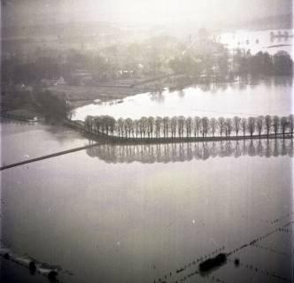 ARH NL Koberg 2278, Leinehochwasser und Leinebrücke, Schloß Ricklingen, 1970