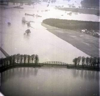 ARH NL Koberg 2279, Leinehochwasser, überschwemmte Straßen bei Schloß Ricklingen, Bordenau und Neustadt a. Rbge., 1970