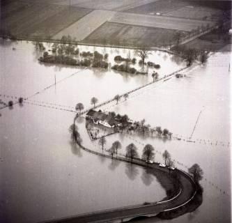 ARH NL Koberg 2282, Leinehochwasser, überschwemmte Straßen bei Schloß Ricklingen, Bordenau und Neustadt a. Rbge., 1970