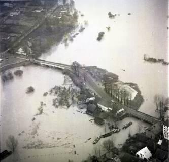 ARH NL Koberg 2284, Leinehochwasser, überschwemmte Straßen bei Schloß Ricklingen, Bordenau und Neustadt a. Rbge., 1970