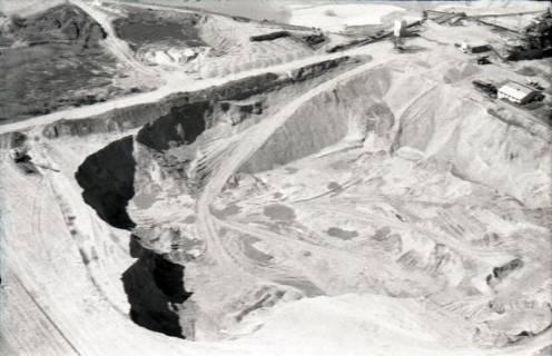 ARH NL Koberg 2442, Kiesabbau, Brelingen, 1974